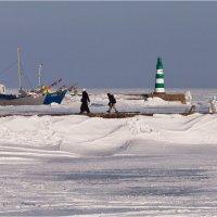 Замерзающий причал... :: Sergej Mariskin