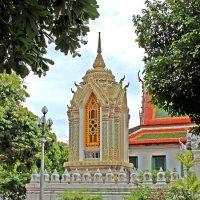 Таиланд. Бангкок. Звонница в монастыре, другой ракурс :: Владимир Шибинский