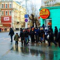 Яркие краски в серый день :: Дмитрий Тарарин