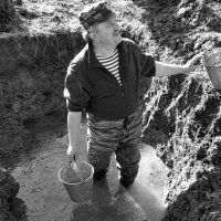 Дорогами войны. В ледяной воде - замминистра МВД республики Коми... :: Марина Морозова
