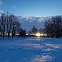 Зимний рассвет :: Валерий Шибаев