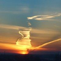 Необычный закат :: Vladimir Krivoyvan