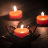 Трепетное пламя свечи :: Юлия Аксёнова