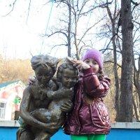 Дай-ка, я тебя причешу, зайка! :: Владимир Листопад
