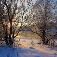 Незамерзающая река. :: Victor Klyuchev
