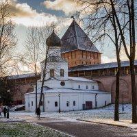 Прогулки по новгородскому кремлю :: Евгений Никифоров