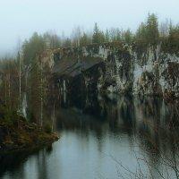 Мраморное озеро. :: Владимир Федорчук