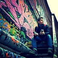 Граффити-дворик :: Сергей Лебедев
