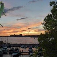 Закат над бухтой :: Марина Курагина