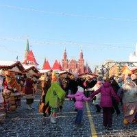 Гулянья на Красной площади :: Любовь Бутакова