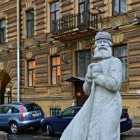 Памятник дворнику :: Михаил Ананьев