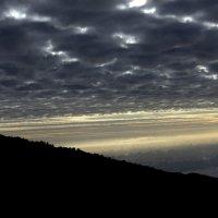 Вечернее небо над Килимаджаро :: Геннадий Мельников