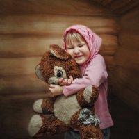 Даша и медведь :: Инна Сухова