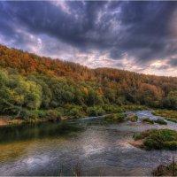 Осень на реке Осетр :: Nikita Volkov