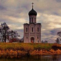 Одинокая на Нерли :: Александр Сендеров