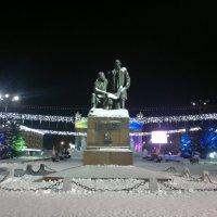 Памятник Черепановым в Нижнем Тагиле :: Андрей Гуров