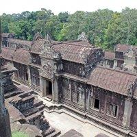 Камбоджа. Ангкор-Ват. Вид с третьего яруса :: Владимир Шибинский