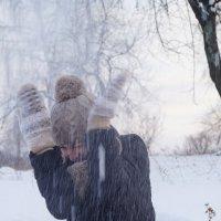 снежок прилетел) :: Кристина Воробьева
