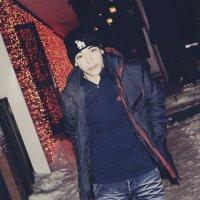 я :: Mishka Sharipov