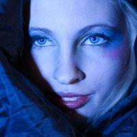 Девушка в чёрном облачении :: Мария Шумаева