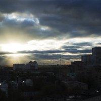 Луч света (серия вид из окна) :: Елена Герасимова