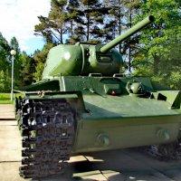 Тяжёлый танк КВ-1 :: Сергей Кочнев