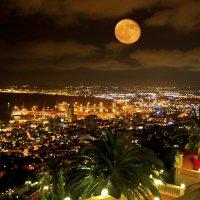 Хайфский залив :: юрий варьят