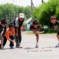 Асычки — одна из самых распространённых детских игр в Средней Азии. :: Serik Zulkharov