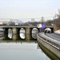 Мосты и мостики Яузы... :: Anatoley Lunov