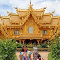 Таиланд. Чанг-Рай. Комплекс Белого храма. Золотой дом :: Владимир Шибинский