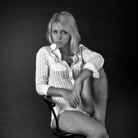 Блондинка в белом :: Носов Юрий