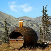 забытая бочка пива в горах Шории :: Евгений Фролов