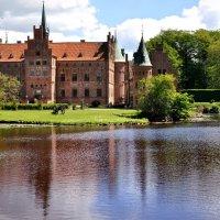 Egeskov Slot, Denmark :: Olly _