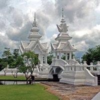 Таиланд. Чанг-Рай. Комплекс Белого храма :: Владимир Шибинский