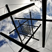 геометрия на фоне неба (Кроллер-Мюллер музей, Голландия) :: MVMarina