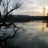 Закат холодного осеннего дня :: Александр Бурилов