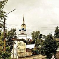 И в гору здесь дома уходят круто! :: Ирина Данилова