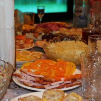 Праздничный стол :: Эльвира Валиева