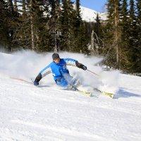 Лыжник в Шерегеше :: Юрий Лобачев