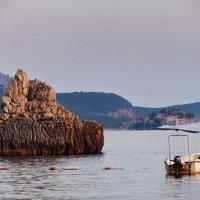 Вид на остров Св. Стефана... :: Игорь Липинский