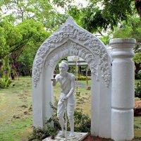 Таиланд. Национальный исторический парк. Статуя нищего :: Владимир Шибинский