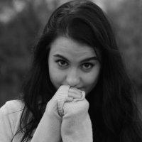 девушка :: Наташа Савостяник