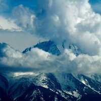 Гора Манас Хребта Киргизский АЛА-ТОО в облаках :: Дмитрий Потапкин