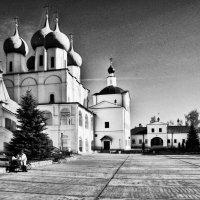 Монастырский двор :: Юрий Кудрявцев