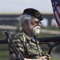 Старый солдат... (американские человеки) :: АндрЭо ПапандрЭо