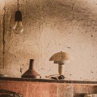 Не так сложно выкинуть старые вещи, как собраться выкинуть старые вещи..... :: Катерина Демьянцева