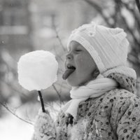 Чупа-чупс из снега! :: Nataliya Belyaeva
