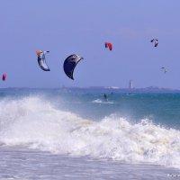 Обуздавшие ветер. Испания, Атлантика, Гибралтарский пролив. :: Виталий Половинко