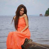 На берегу реки :: Римма Тумриева