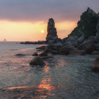 Утро у скал :: Эдуард Ефремов